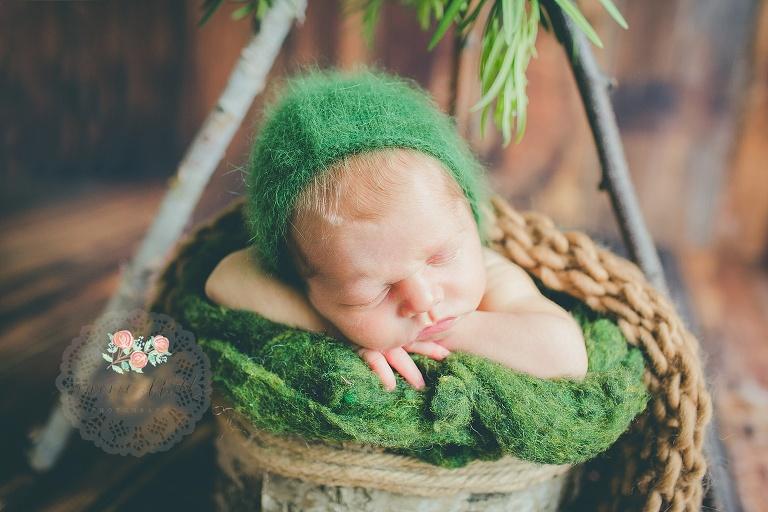 newborn portraits Boca Raton teepee