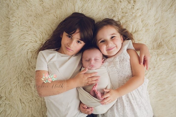 newborn baby portraits siblings Parkland