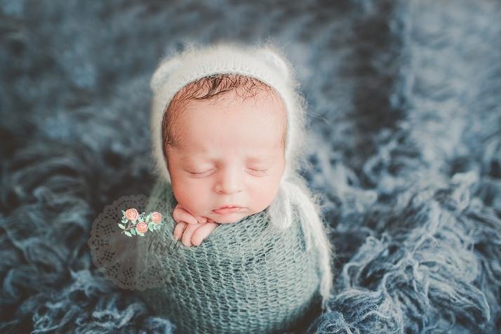 newborn baby portraits potato sack Delray